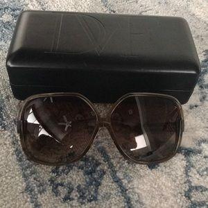 Diane vonfurstenberg vintage sunglasses